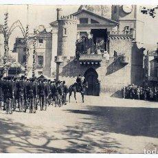 Postales: POSTAL ALICANTE ALCOY FIESTAS MOROS Y CRISTIANOS EL CASTILLO MISA 1924 FOTO ANTIGUA ,ORIGINAL P839. Lote 183715595