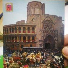Postales: POSTAL VALENCIA CATEDRAL PUENTE DE LOS APÓSTOLES OFRENDA A LA VIRGEN N 1004 A. SUBIRATS CASANOVAS. Lote 184869231