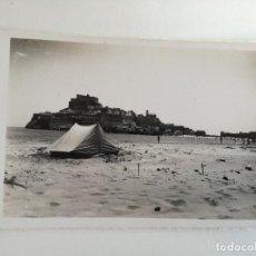 Postales: PEÑISCOLA. CASTELLON. VISTA GENERAL Y PLAYA EDC. DARVI Nº 8 - POSTAL FOTOGRAFICA DE LOS AÑOS 50. Lote 189429061
