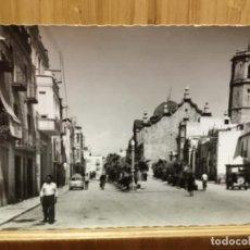 Postales: POSTAL DE BENICARLÓ.CALLE FERRERES BRETÓ.GARCIA GARRABELLA.. Lote 195536545