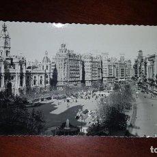 Postales: PLAZA DEL CAUDILLO Y AYUNTAMIENTO - VALENCIA. Lote 198251545