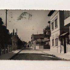 Postales: CARCAGENTE (VALENCIA) POSTAL CALLE NAVARRO DARÁS (A.1956) FOTO VIDAL. CIRCULADA. Lote 208933923