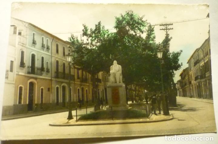 POSTAL CARCAGENTE.-PASEO MARTIRES -CIRCULADA COLOREADA (Postales - España - Comunidad Valenciana Moderna (desde 1940))