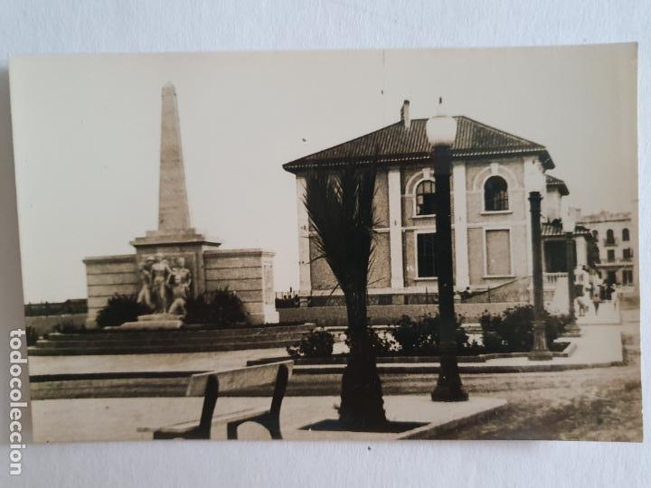 VINARÒS / VINAROZ - PASEO Y MONUMENTO A LA LIBERACIÓN - E2 - LMX (Postales - España - Comunidad Valenciana Moderna (desde 1940))