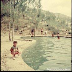 Postales: DIAPOSITIVA ESPAÑA CASTELLÓN TERESA 1966 GRAN FORMATO 55MM SPAIN FOTO PHOTO VISTAS NIÑO RETRATO. Lote 224435372
