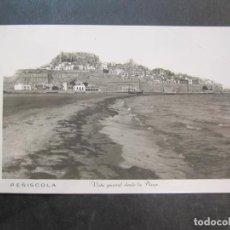 Postales: PEÑISCOLA-VISTA GENERAL DESDE LA PLAYA-FOTOGRAFICA-POSTAL ANTIGUA-(77.689). Lote 243662175