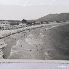 Postales: POSTAL BENIDORM, PLAYA DE LEVANTE, AÑOS 60. Lote 244467795