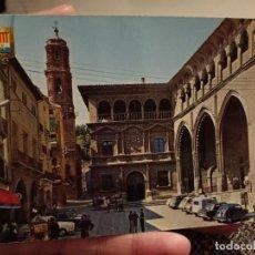 Postales: ALCAÑIZ TERUEL PALACIO MUNICIPAL ED ESCVDO ORO 5522 SC ANIMADA COCHES CLASICOS. Lote 244593895