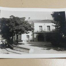 Postales: FOTO POSTAL DE BEJIS ( CASTELLON ), PLAZA AYUNTAMIENTO, MIDE 12,8 X 9 CMS.. Lote 288462573