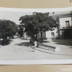 Postales: FOTO POSTAL DE BEJIS ( CASTELLON ), PLAZA AYUNTAMIENTO, MIDE 12,8 X 9 CMS.. Lote 288462638