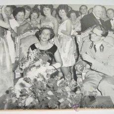 Postales: ANTIGUA FOTOGRAFIA DE EL REY BALDUINO Y LA REINA FABIOLA - REYES DE BELGICA - FOTO BELGA 1961. - MID. Lote 25524791