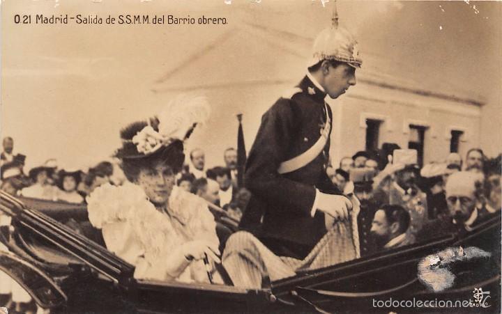 MADRID.-SALIDA DE S.S.M.M DEL BARRIO OBRERO (Postales - Postales Temáticas - Conmemorativas)