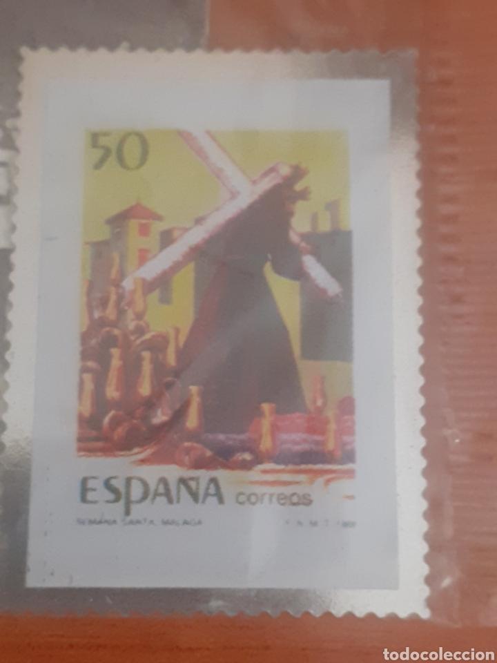 SELLO TROQUELADO DE METAL SEMANA SANTA DE MÁLAGA 50PESETAS POSTAL ANTEQUERA UNA VISITA DE LA SIERRA (Postales - Postales Temáticas - Conmemorativas)
