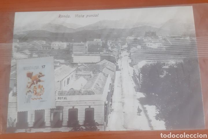 Postales: Sello troquelado de metal ingreso de España en la CEE postal ronda vista parcial - Foto 3 - 251680630