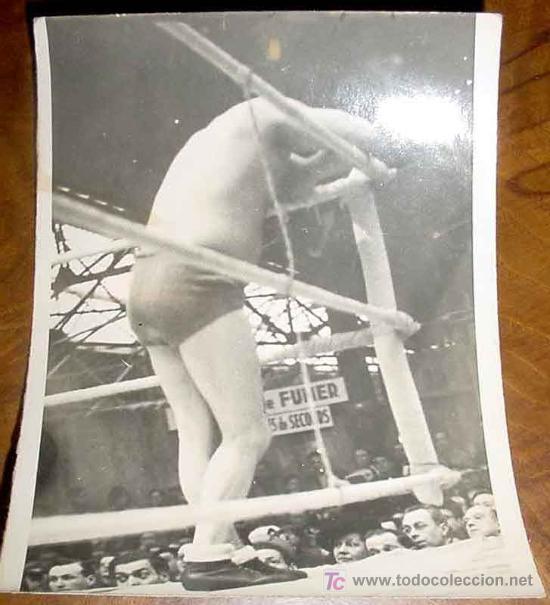 ANTIGUA FOTOGRAFIA DE FLORENT WOIGNEZ - LUCHA LIBRE - CATCH - MIDE 12 X 9 CMS. (Coleccionismo Deportivo - Postales de otros Deportes )