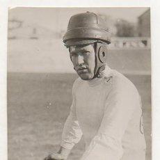 Coleccionismo deportivo: FOTOGRAFÍA ORIGINAL. CICLISMO. EL CICLISTA 'VICENTE BACHERO'. 17 X 12 CM. 1934.. Lote 15646328