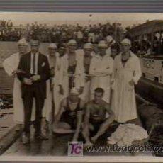 Coleccionismo deportivo: FOTO POSTAL DEL EQUIPO DE POLO ACUATICO WATER POLO -CLUB NATACION BARNA -1921. Lote 19104721