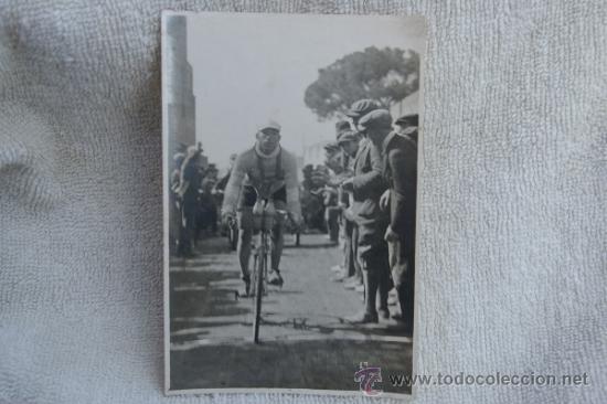 FOTO DE CICLISTA ANTIGUA (Coleccionismo Deportivo - Postales de otros Deportes )