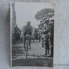 Coleccionismo deportivo: FOTO DE CICLISTA ANTIGUA. Lote 32631707