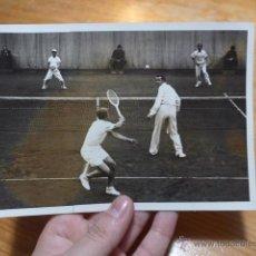 Coleccionismo deportivo: ANTIGUA FOTOGRAFIA ORIGINAL DE PRENSA DE FRANCIA, CON EXPLICACION DE DIARIO, COPA DAVIS, TENIS. Lote 48726469