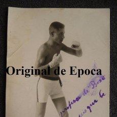 Coleccionismo deportivo: (JX-2395)POSTAL FOTOGRAFICA DEL BOXEADOR AGUSTIN CALIZ DEDICADA A SEGUNDO BARTOS. Lote 49337509