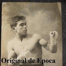 Coleccionismo deportivo: (JX-2401)POSTAL FOTOGRAFICA DEL BOXEADOR DIOGENES FELIPE DEDICADA A SEGUNDO BARTOS. Lote 49337825