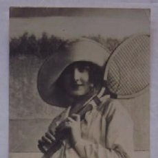 Coleccionismo deportivo: ANTIGUA POSTAL MUJER TENISTA - AÑO 1917. Lote 51655525