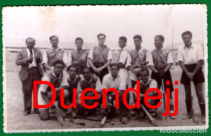 ANTIGUA FOTO/POSTAL DE EQUIPO DE HOCKEY HIERBA (POSIBLEMENTE DE VALENCIA) - LA QUE SE VE (Coleccionismo Deportivo - Postales de otros Deportes )
