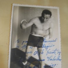 Coleccionismo deportivo: INTERESANTE POSTAL ORIGINAL ANTIGUA BOXEO BOXEADOR CON AUTOGRAFO 1943. Lote 106323863