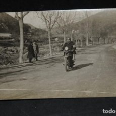 Coleccionismo deportivo: ANTIGUA TARJETA POSTAL FOTOGRÁFIA BADOSA. PRUEBA MOTOCICLISTA AÑO 1920 BARCELONA 10. Lote 128642571
