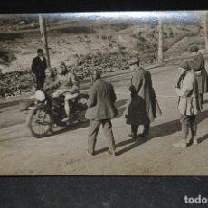 Coleccionismo deportivo: ANTIGUA TARJETA POSTAL FOTOGRÁFIA BADOSA. PRUEBA MOTOCICLISTA AÑOS 1920 BARCELONA 9. Lote 128642607