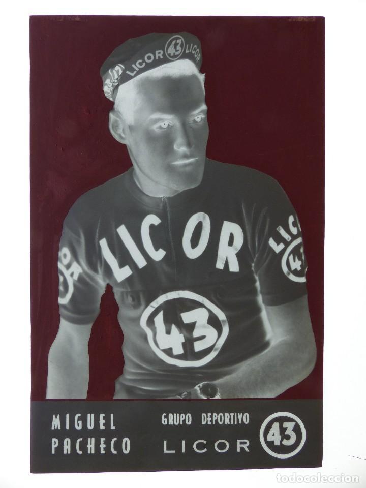 Coleccionismo deportivo: MIGUEL PACHECO, LICOR 43 CICLISMO, CLICHE ORIGINAL, NEGATIVO EN CELULOIDE - ED. ARRIBAS - Foto 2 - 130189403