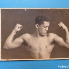 Coleccionismo deportivo: BOXEO, PASTOR MILANES, CAMPEON DE CUBA PESO MEDIO - POSTAL FOTOGRAFICA, AÑOS 1920-30. Lote 131771846