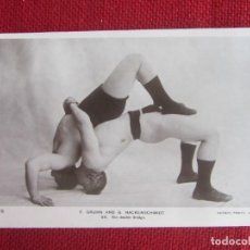 Collezionismo sportivo: ANTIGUA POSTAL TOMAS O POSTURAS DE LUCHA LIBRE. AÑOS 20. ENGLAND. Lote 137256226