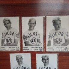 Coleccionismo deportivo: LOTE 5 POSTALES CICLISTAS AÑO 1961 EQUIPO LICOR 43. Lote 194783761