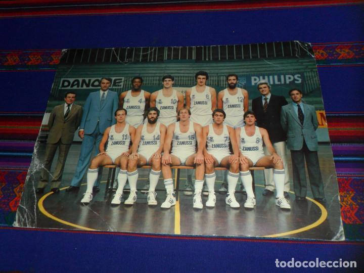 POSTAL GIGANTE REAL MADRID BALONCESTO 1983 1984 83 84. 30X42 CMS. GRÁFICAS MORA. MUY RARA. (Coleccionismo Deportivo - Postales de otros Deportes )