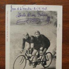 Coleccionismo deportivo: POSTAL DE LOS CICLISTAS OTTO MEYER Y JULIUS BETTINGER ( ALEMANIA) - DÚO TANDEMPAAR - 1908 CIRCULADA . Lote 195929927