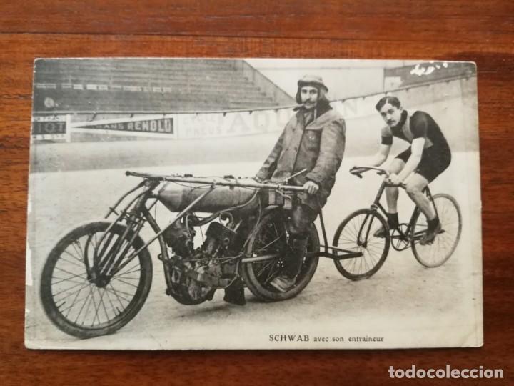 POSTAL DEL CICLISTA SCHWAB CON SU ENTRENADOR (Coleccionismo Deportivo - Postales de otros Deportes )