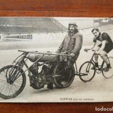 Coleccionismo deportivo: POSTAL DEL CICLISTA SCHWAB CON SU ENTRENADOR . Lote 195930343