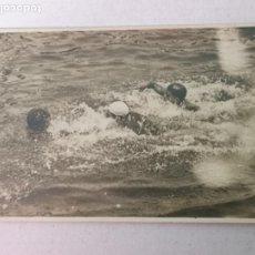 Coleccionismo deportivo: POSTAL FOTOGRÁFICA DE WATERPOLO AÑOS 30-40. Lote 204063666