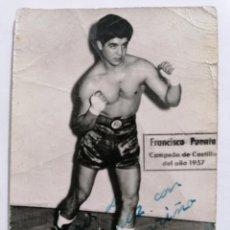 Coleccionismo deportivo: FOTOGRAFIA BOXEADOR FRANCISCO PUENTE, CAMPEON DE CASTILLA 1957 , MEDIDAS 7 X 10 CM. Lote 262350625