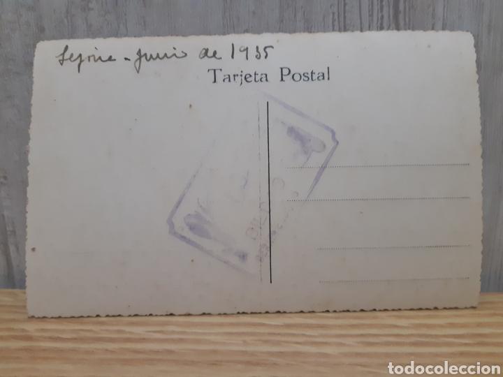 Coleccionismo deportivo: Antigua fotografía tipo postal de un equipo de hockey en lejona Vizcaya año 1935 - Foto 2 - 269302493