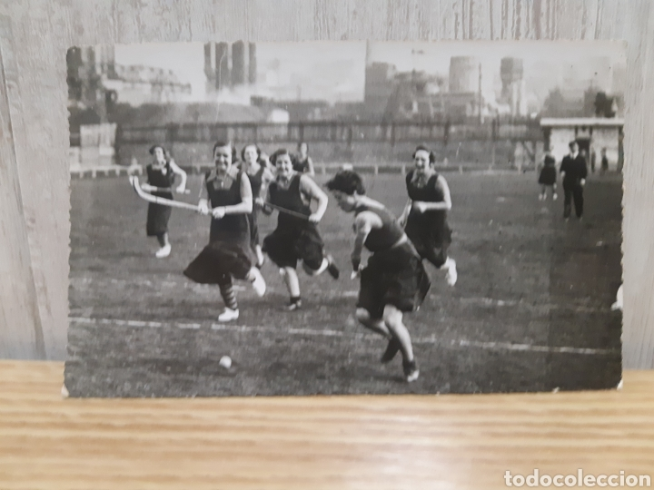 ANTIGUA FOTOGRAFÍA TIPO POSTAL DE UN EQUIPO DE HOCKEY EN LEJONA VIZCAYA AÑO 1935 (Coleccionismo Deportivo - Postales de otros Deportes )