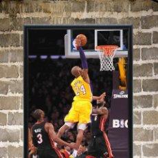 Coleccionismo deportivo: CUADRO KOBE BRYANT MATE POSTER BALONCESTO NBA ENMARCADO 30X20 CM. Lote 276519968