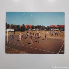 Coleccionismo deportivo: POSTAL BELGICA. WESTENDE. VAKANTIECENTRUM. CENTRE DE VACANCES. ZON EN ZEE. VOLEIBOL. Lote 281791248