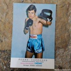 Colecionismo desportivo: POSTAL DEL BOXEADOR ESPAÑOL PEDRO CARRASCO. EQUIPO CINZANO. 1960S 1970S. Lote 283011713