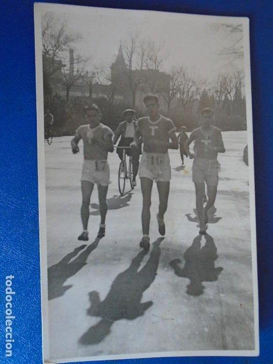 Coleccionismo deportivo: (F-210913)CARNET,13 POSTALES FOTOGRAFICAS Y 4 FOTOS DEL ATLETA DE CROSS JOSEP GONZALEZ AÑOS 30 - Foto 13 - 288378473