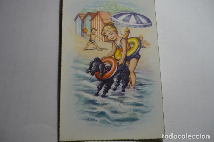 POSTAL NIÑA CON PERRO PLAYA DIBUJO GIRONA.-ESCRITA (Postales - Dibujos y Caricaturas)