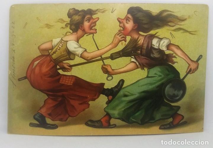 Postales: Caricatura de 2 mujeres peleando a escobazos. Postal antigua enviada desde Almería en 1922. - Foto 2 - 175974640