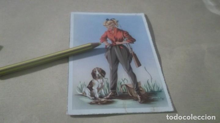 ANTIGUA POSTAL DIBUJO AÑO 1955 - SRTA. CAZADORA CON SU PERRO (Postales - Dibujos y Caricaturas)